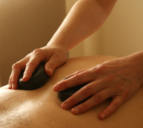 Back massage with stones